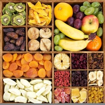 http://contao.lifefood.eu/tl_files/data/en/Blog/2018/Raw food in winter | part 1/fruit_box.jpg