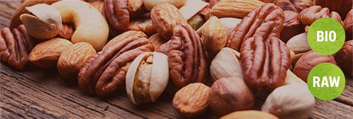 Nüsse in Rohkostqualität